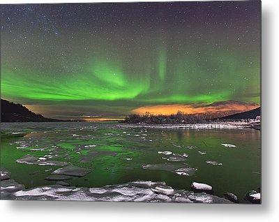 Ice And Auroras Metal Print by Frank Olsen