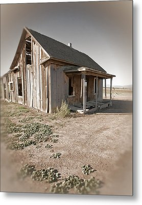 If This Homestead Could Speak Metal Print by Bonnie Bruno