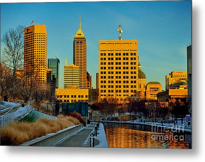 Indianapolis Skyline Dynamic Metal Print by David Haskett