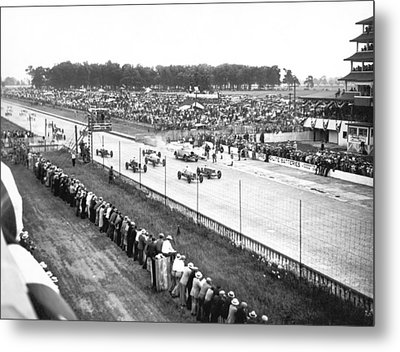 Indy 500 Auto Race Metal Print by Underwood Archives