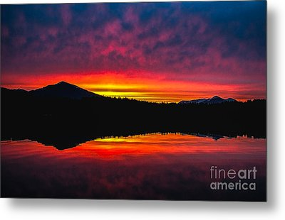 Inside Passage Sunrise Metal Print by Robert Bales