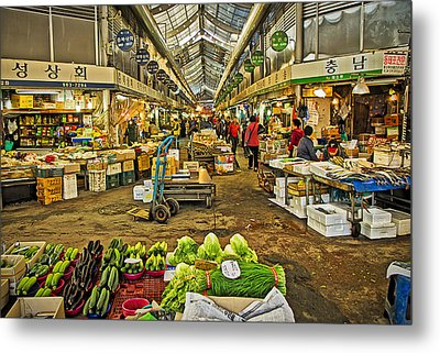 Inside The Gyeongdong Market At Seoul Metal Print by Tony Crehan