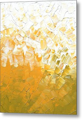 Into The Light Metal Print by Linda Bailey
