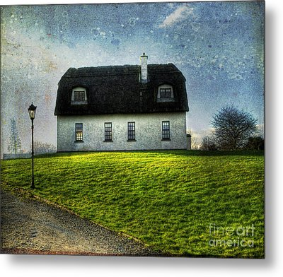 Irish Thatched Roofed Home Metal Print by Juli Scalzi