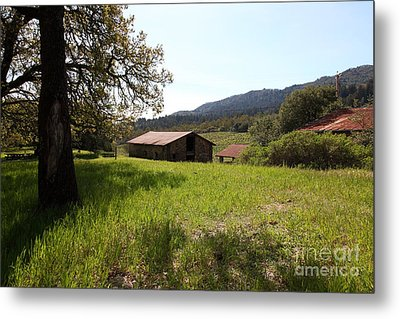 Jack London Stallion Barn 5d22056 Metal Print by Wingsdomain Art and Photography
