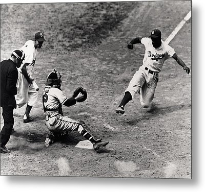 Jackie Robinson In Action Metal Print by Gianfranco Weiss