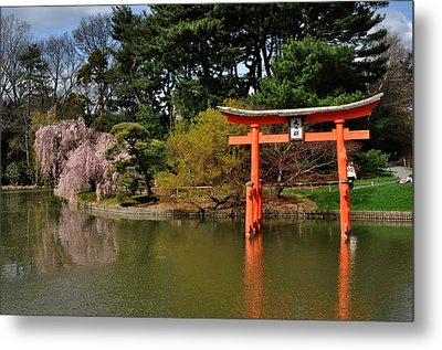 Japanese Garden With Orange Arch Metal Print by Diane Lent