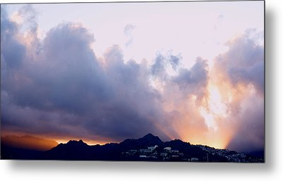 Kamehameha Sunrise Metal Print by Kevin Smith
