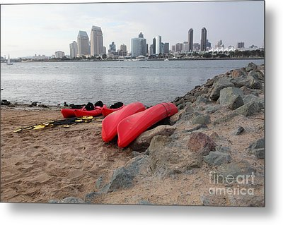 Kayaks On Coronado Island Overlooking The San Diego Skyline 5d24368 Metal Print by Wingsdomain Art and Photography