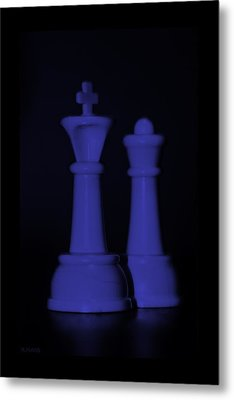 King And Queen In Purple Metal Print by Rob Hans