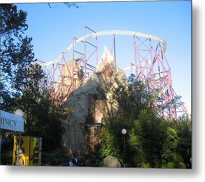 Kings Dominion - Volcano - 01132 Metal Print by DC Photographer