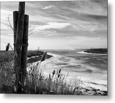 Lake Ice Bw Metal Print by Peter Chilelli