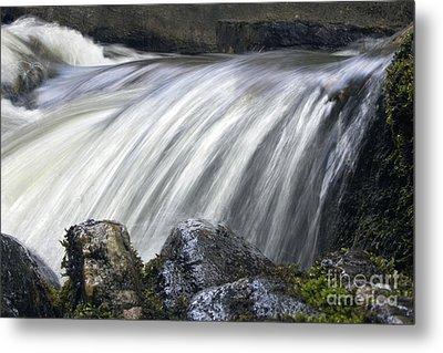 Lazerne Falls Cascade Metal Print by Darleen Stry