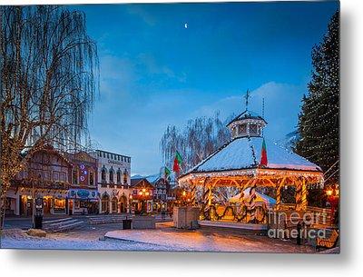 Leavenworth Christmas Moon Metal Print by Inge Johnsson