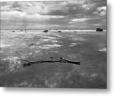 Let There Be Light Metal Print by Arkady Kunysz
