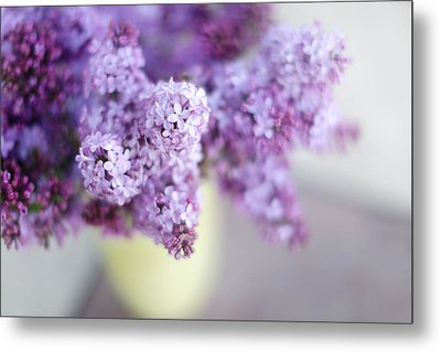 Lilacs In A Vase Metal Print by Rebecca Cozart