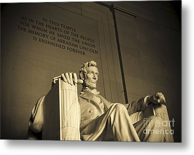 Lincoln Statue In The Lincoln Memorial Metal Print by Diane Diederich