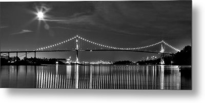 Lions Gate Bridge Black And White Metal Print by Naman Imagery