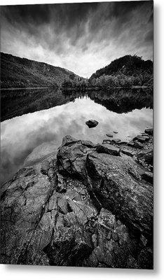 Loch Beinn A Mheadhoin Metal Print by Dave Bowman