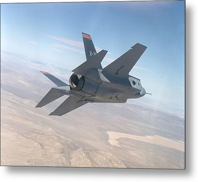 Lockheed Martin F-35 Joint Strike Fighter Upsized Metal Print by L Brown