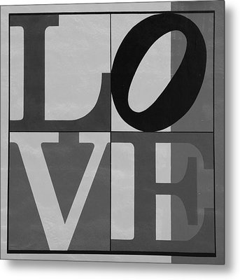 Love In Black And White 2 Metal Print by Rob Hans