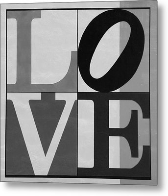 Love In Black And White Metal Print by Rob Hans