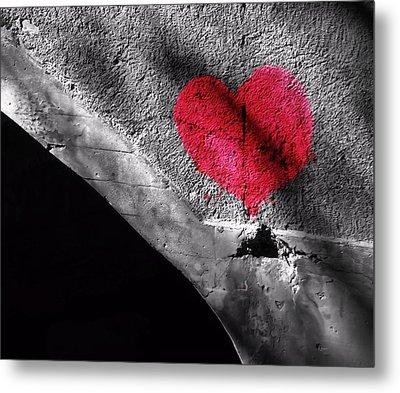 Love Under The Bridge Metal Print by Dan Sproul