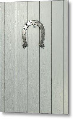 Lucky Horseshoe On Wood Metal Print by Allan Swart