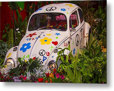 Luv Bug In The Garden Metal Print by Garry Gay