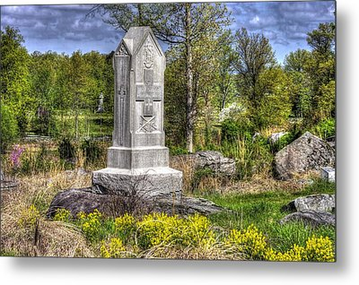 Maine At Gettysburg - 5th Maine Volunteer Infantry Regiment Just North Of Little Round Top Metal Print by Michael Mazaika