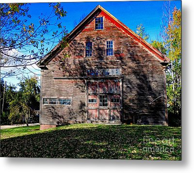 Maine Barn Metal Print by Marcia L Jones