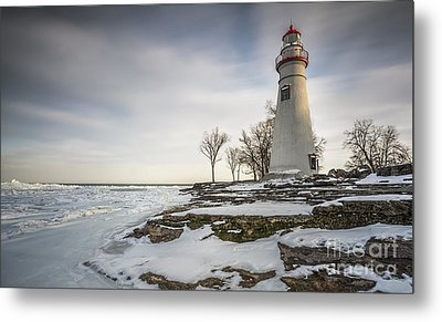Marblehead Lighthouse Winter Metal Print by James Dean