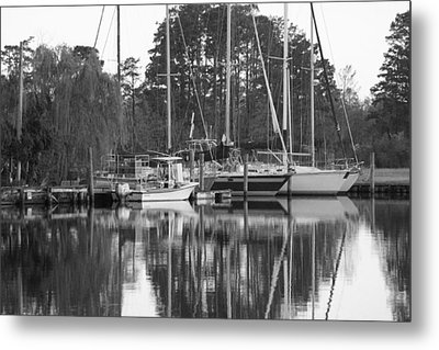 Marina In Black And White Metal Print by Carolyn Ricks