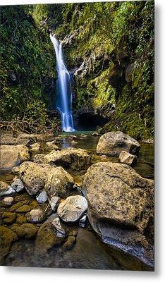 Maui Waterfall Metal Print by Adam Romanowicz