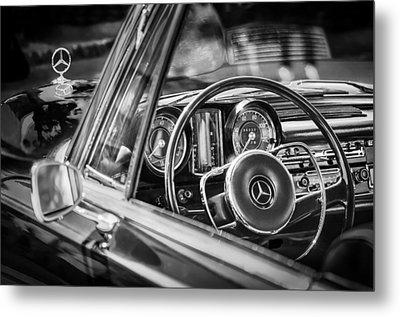 Mercedes-benz 250 Se Steering Wheel Emblem Metal Print by Jill Reger