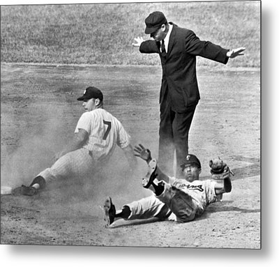 Mickey Mantle Steals Second Metal Print by Underwood Archives