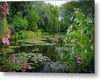 Monet's Pond With Waterlilies And Bridge Metal Print by Carla Parris