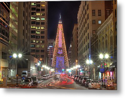 Monument Circle Christmas Tree Metal Print by Twenty Two North Photography