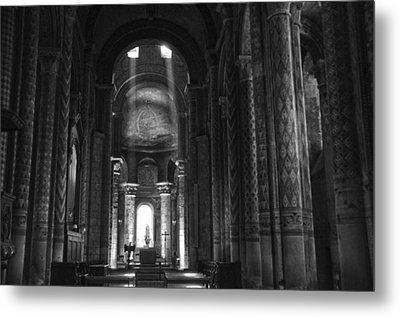 Nave Of Eglise Notre-dame La Grande De Poitiers Metal Print by RicardMN Photography