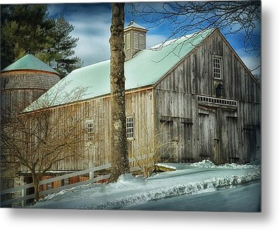 New England Barn Metal Print by Tricia Marchlik