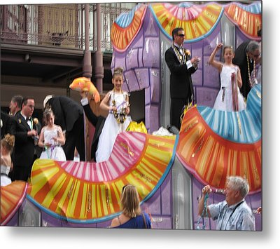 New Orleans - Mardi Gras Parades - 121267 Metal Print by DC Photographer