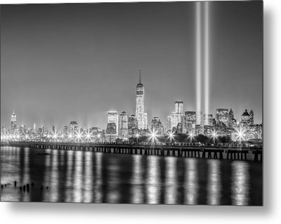 New York City Will Never Forget Bw Metal Print by Susan Candelario
