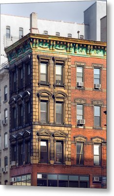 New York City - Windows - Old Charm Metal Print by Gary Heller