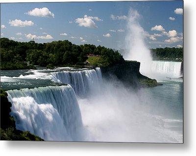 Niagara Falls Metal Print by Sandy Fraser