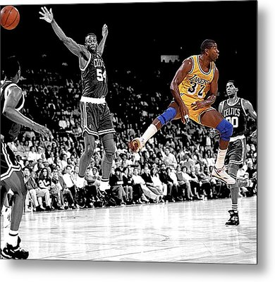 No Look Pass Metal Print by Brian Reaves