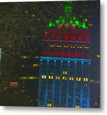 Nyc Christmas Time Metal Print by Sue Rosen