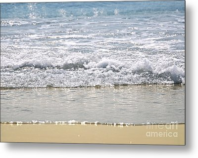 Ocean Shore With Sparkling Waves Metal Print by Elena Elisseeva