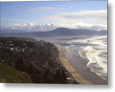 Oceanside Oregon Metal Print by Keith Gondron