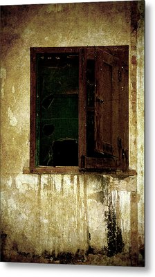 Old And Decrepit Window Metal Print by RicardMN Photography