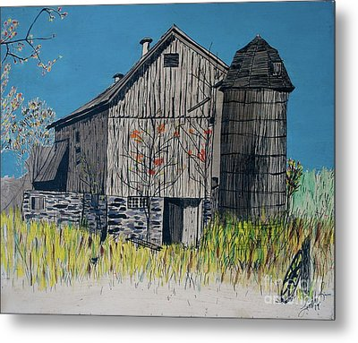 Old Barn Metal Print by Linda Simon